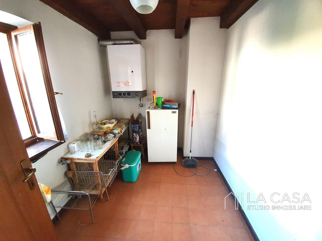 Casa indipendente in Linea - Rif.C6 https://media.gestionaleimmobiliare.it/foto/annunci/191125/2114313/1280x1280/012__20191125_115650_wmk_1.jpg