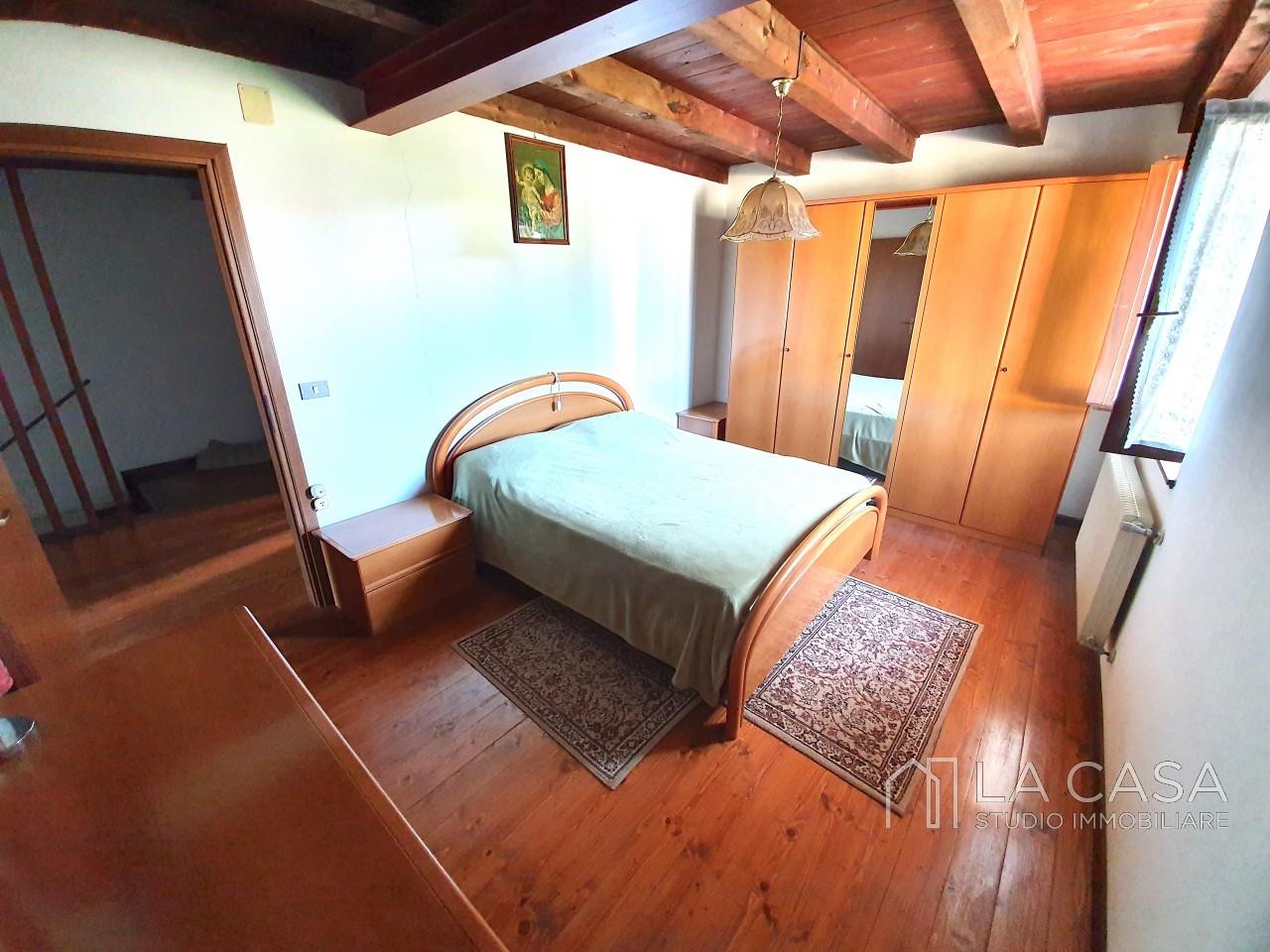 Casa indipendente in Linea - Rif.C6 https://media.gestionaleimmobiliare.it/foto/annunci/191125/2114313/1280x1280/015__20191125_115828_wmk_1.jpg
