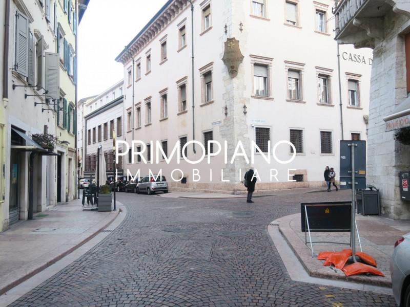 trento vendita quart: centro storico primopiano-immobiliare-s.r.l.s.