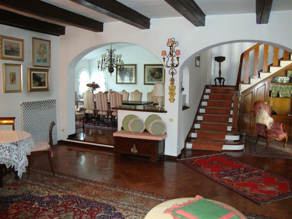 D26 Spaziosa villa singola in vendita ad Abano Terme https://media.gestionaleimmobiliare.it/foto/annunci/200129/2135239/1280x1280/004__ingresso_1__medium.jpg