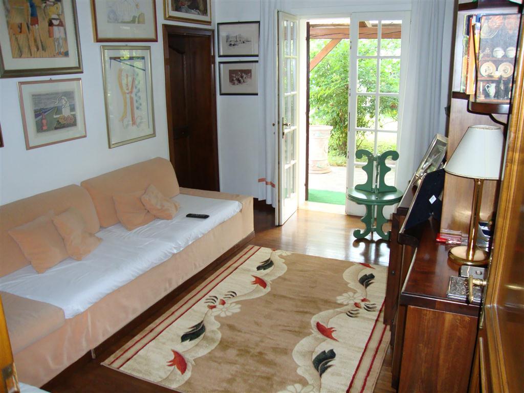 D26 Spaziosa villa singola in vendita ad Abano Terme https://media.gestionaleimmobiliare.it/foto/annunci/200129/2135239/1280x1280/016__studio__medium.jpg