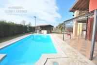 Bedizzole, centro. Villetta con piscina