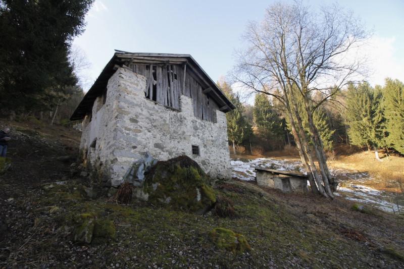 Rustico / Casale da ristrutturare in vendita Rif. 12240536