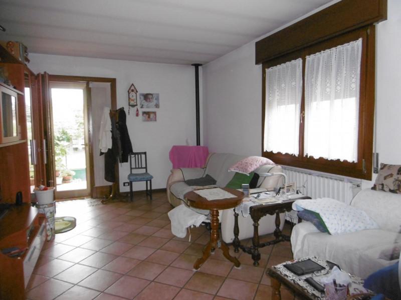 Appartamento in discrete condizioni in vendita Rif. 12218139