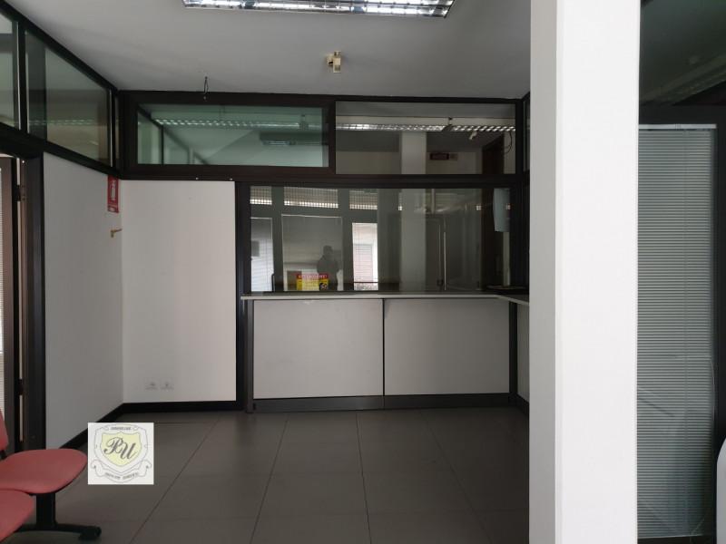 Ufficio / Studio in affitto a Granze, 9999 locali, zona Località: Granze - Centro, prezzo € 600 | CambioCasa.it