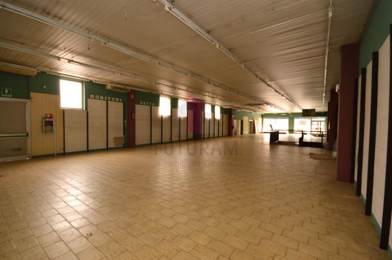Negozio in vendita a Vicenza - https://media.gestionaleimmobiliare.it/foto/annunci/200309/2203855/800x800/008__9a_risultato.jpg