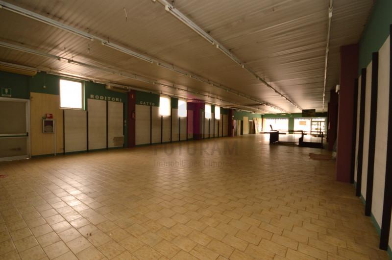 Negozio in vendita a Vicenza - https://media.gestionaleimmobiliare.it/foto/annunci/200309/2203855/800x800/009__9b_risultato.jpg