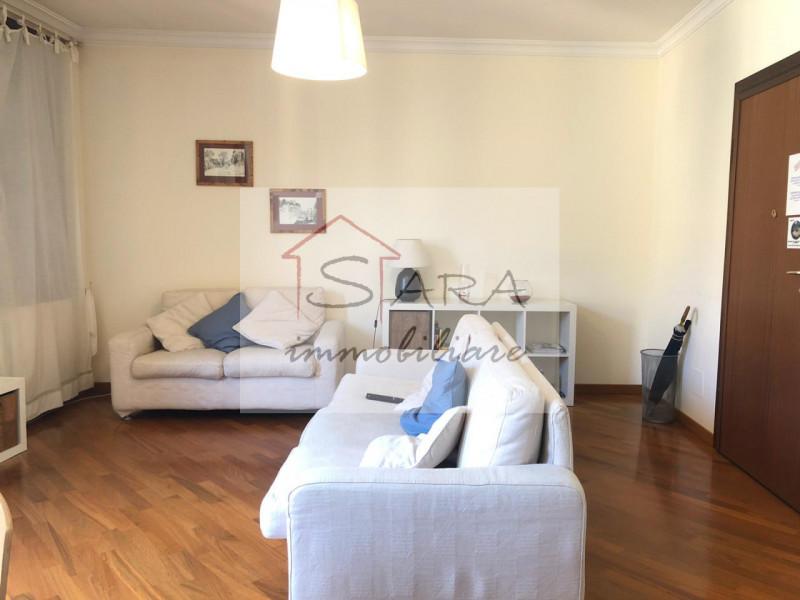 Centro Storico appartamento tricamere zona Piazze - https://media.gestionaleimmobiliare.it/foto/annunci/200317/2206512/800x800/003__salotto.jpg