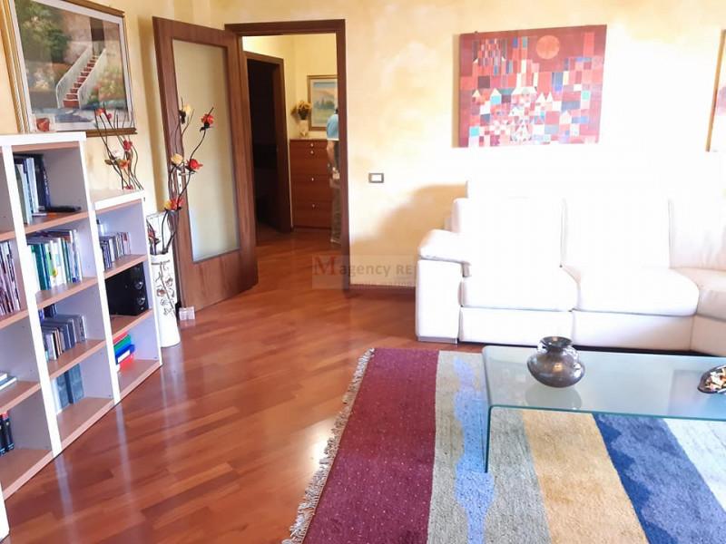 Appartamento in vendita a Reggio Calabria, 3 locali, zona Località: Arangea, prezzo € 110.000 | CambioCasa.it