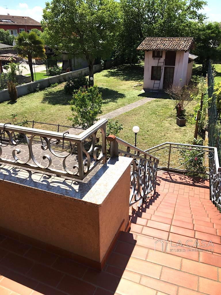 Casa singola in Vendita a Valvasone con Studio/Ufficio indipendente - Rif. C11 https://media.gestionaleimmobiliare.it/foto/annunci/200603/2251575/1280x1280/024__img-20200601-wa0012_wmk_0.jpg