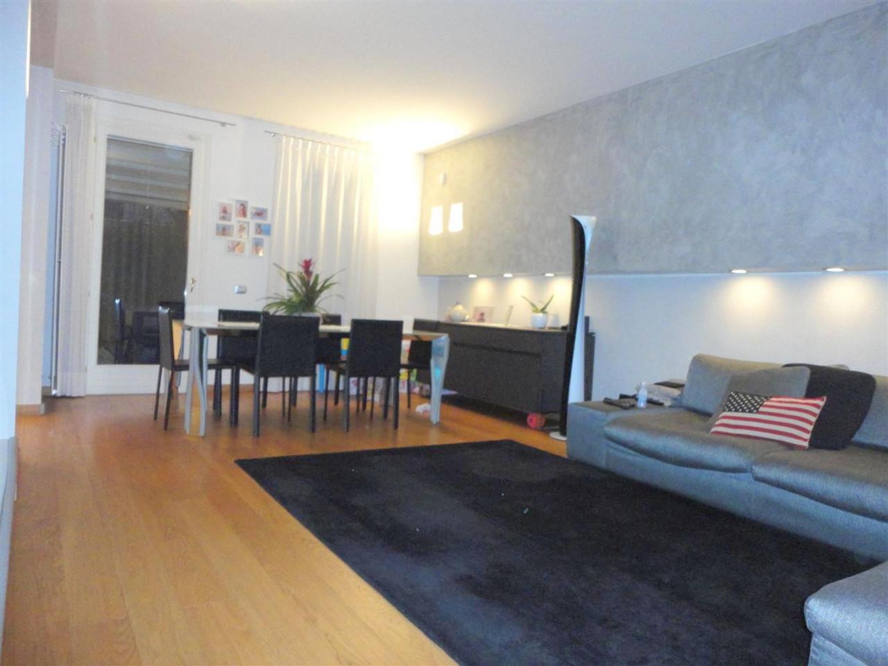 P402 Elegante Villa bifamiliare ad Abano Terme https://media.gestionaleimmobiliare.it/foto/annunci/200618/2259822/1280x1280/001__2.jpg