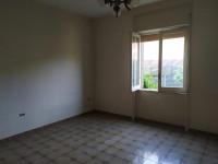 casa singola in vendita Pagani foto 010__camera_con_affaccio_su_giardino.jpg