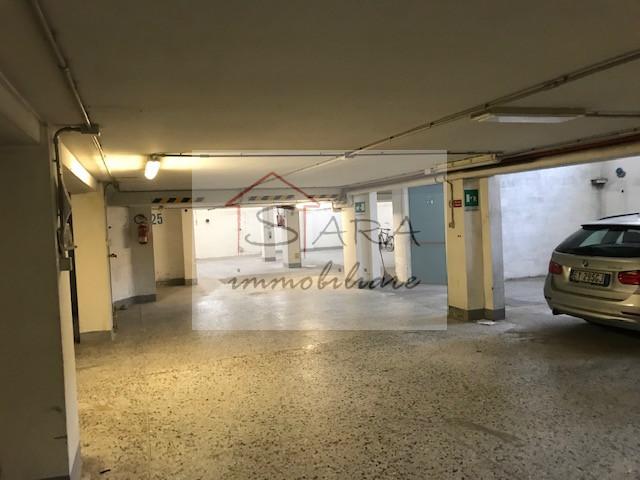 Garage doppio - https://media.gestionaleimmobiliare.it/foto/annunci/200629/2263616/1280x1280/999__img_8871.jpg