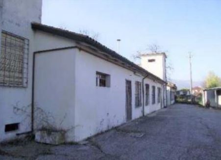 Capannone in vendita a Nove, 10 locali, zona Località: Nove, Trattative riservate | CambioCasa.it