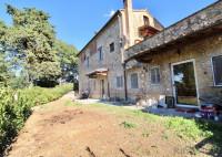 rustico in affitto Barberino Tavarnelle foto 008__san_casciano_affittasi_appartamento_giardino_piscina_001.jpg